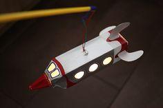 Laterne aus Tetrapack basteln – Raketenlaterne