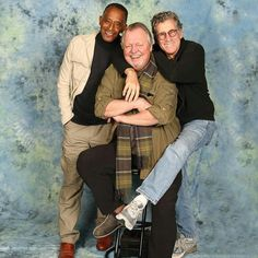 """""""Love this, Huggy Bear/Antonio Fargas joins Hutch/David Soul and Starsky/Paul Michael Glaser for a Starsky and Hutch reunion in Starsky and Hutch ran from 1975 - Ford Classic Cars, Classic Tv, Cops Tv, Paul Michael Glaser, David Soul, Nostalgia, Starsky & Hutch, Old Shows, Television Program"""