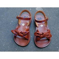 love these little sandals
