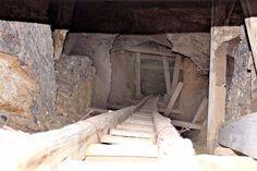 Nevada Gold mine Hard Rock Warlock Mining Shaft Claim - Adit