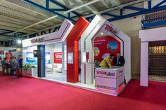 Exhibition Stall Design can help you immensely in promoting your brand. Promote Your Brand with Creative Stall Designed by DesignerPeople Design Agency. Exhibition Stall Design, Showroom Design, Exhibition Stands, Exhibit Design, Standing Signage, Corner Booth, Expo Stand, Web Banner Design, Ads Creative