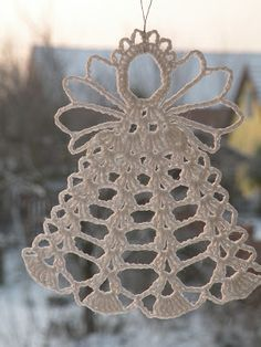 Wonderful DIY Crochet Snowflakes With Pattern - Her Crochet Lace Christmas Tree, Crochet Christmas Decorations, Christmas Crochet Patterns, Crochet Ornaments, Crochet Snowflakes, Holiday Crochet, Snowflake Pattern, Doily Patterns, Christmas Angels