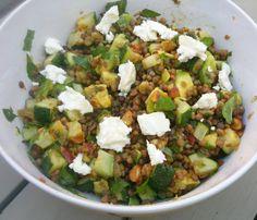 Linzensalade met avocado en sinaasappel-muntdressing