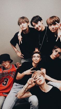 The Journey Of Jeon Y/N with her older brother Jeon Jungkook! Read to Find Out! Bts Taehyung, Bts Jimin, Bts Bangtan Boy, Bts Lockscreen, Foto Bts, Bts Memes, Kpop, Bts Group Photos, Bts Group Picture