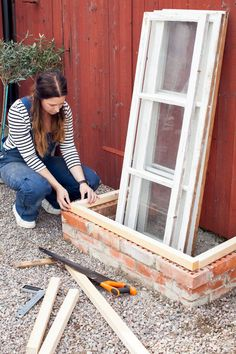 Latest absolutely free outdoor garden house strategies - home accessories Latest absolutely free out Window Greenhouse, Greenhouse Shed, Small Greenhouse, Veg Garden, Garden Beds, Home And Garden, Jardin Vertical Artificial, Cold Frame, Garden Structures