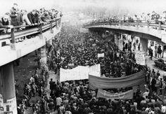 1º de Mayo, en libertad  Madrid, 1 de mayo de de 1978 Cerca de doscientas mil personas asistieron en Madrid a la primera manifestación del 1º de Mayo tras la muerte de Franco.
