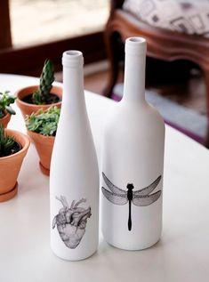 Check out Models to Get Inspired Glass Bottle Crafts, Wine Bottle Art, Diy Bottle, Garrafa Diy, Altered Bottles, Bottle Painting, Bottles And Jars, Home And Deco, Diy Gifts
