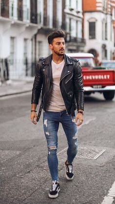 winter outfits men 5 Dapper Winter Outfits For Men Biker Jacket Outfit, Leather Jacket Outfits, Man Outfit, Mens Biker Jacket, Mens Biker Style, Style Men, Men's Style, Brown Leather Jacket Men, Men's Leather