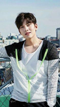 ❤❤ 지 창 욱 Ji Chang Wook ♡♡ that handsome and sexy look . Ji Chang Wook Smile, Ji Chang Wook Healer, Ji Chan Wook, Asian Actors, Korean Actors, Kpop, Fabricated City, Park Hyung, Empress Ki