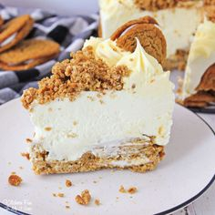 Oatmeal Cream Pie Cheesecake is rich, creamy and totally no bake. So when you want a fabulous dessert you can make ahead, look no further. Low Calorie Cheesecake, Cheesecake Recipes, Oatmeal Creme Pie, Baked Oatmeal, Pie Cake, No Bake Cake, Pie Dessert, Dessert Recipes, Instant Oatmeal Recipes