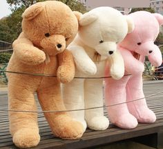 Giant teddy bears -it's so fluffy, I want one so bad! Huge Teddy Bears, Giant Teddy Bear, Large Teddy Bear, Teddy Bear Images, Teddy Bear Pictures, Bear Pics, Giant Stuffed Animals, Bear Wallpaper, Bear Doll