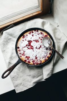 Oh, what a pancake / Clafoutis with raspberries - Summer sur le vif | Lily.fi