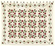A Fine Pieced, Appliquéd and Trapunto ''President's Wreath'' Quilt, American<br>Mid-19th century | lot | Sotheby's