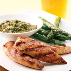 Grilled Chicken Tenders With Cilantro Pesto -- 152 calories per serving
