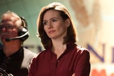 """""""Newsroom"""" star Emily Mortimer: Americans are dangerously uninformed  """"The Newsroom's"""" Emily Mortimer calls the Tea Party a """"lunatic fringe,"""" and says Americans fall too easily for lies"""