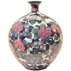 Large Japanese Ovoid Imari Decorative Porcelain Vase by Master Artist   1stdibs.com