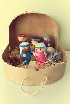 Pesebre | Nativity Crochet | Navidad. Es podria fer en una capsa que portessin i es tapa i guarda, si es vol.