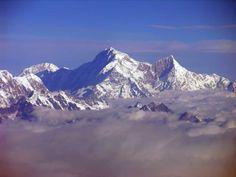 Google Image Result for http://www.mountainsoftravelphotos.com/Kangchenjunga/2004-10%2520Kangchenjunga/To%2520Ghunsa/slides/Kangchenjunga%252001%252004%2520Mountain%2520Flight%2520Shishapangma%2520Long%2520View.jpg
