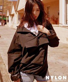 Joy x Nylon💚 . Joy Sooyoung parksooyoung Redvelvet Redvelevtedit joyedit reveluv irene baejoohyun seulgi kangseulgi wendy sonseungwan yeri kimyerim blackpink bts twice sm sment exo kpop girlgroup redvelvetmemes Seulgi, South Korean Girls, Korean Girl Groups, Park Joy, Red Velvet Photoshoot, Red Valvet, 54 Kg, Red Velvet Joy, Park Sooyoung