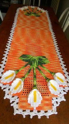 Lovely striped blanket with white between - DiyForYou Crochet Flower Patterns, Crochet Designs, Crochet Doilies, Crochet Flowers, Pink Baby Blanket, Crochet Table Runner, Crochet Accessories, Embroidery Thread, Crochet Hooks