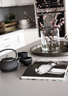 How to style your plain white kitchen #LGLimitlessDesign and #Contest @em_henderson @davidbromstad @hgtv @lgusa