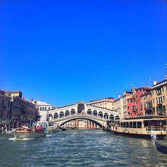 Instagram의 이현웅님: #이탈리아  . . . #이태리#베니스#베네치아#리알토다리#유럽#여행#여행스타그램#daily#dailypic#데일리#일상#소통#팔로우#선팔#맞팔#인친#좋아요