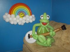 Balloon Kermit the Frog Parody with Rainbow and Banjo. Made by Patricia Balloona.  https://www.facebook.com/patriciaballoona27