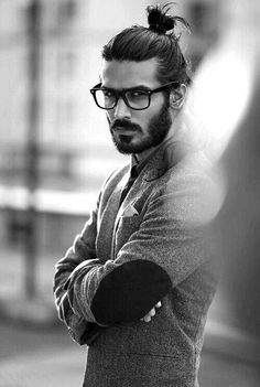 Man-Bun-Hairstyles-For-Guys-