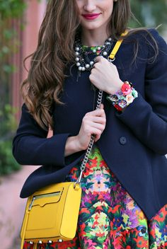 8 SECRETS TO MIXING & MATCHING COLORS: Read my simple tips on the blog! #floral #fashion #color