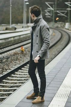 When the situation calls for a casually refined outfit, reach for a grey pea coat and black jeans. Complete your outfit with a pair of tan suede chelsea boots to serve a little mix-and-match magic. Gentleman Mode, Gentleman Style, Mode Masculine, Fashion Mode, Mens Fashion, Fashion Trends, Fashion News, Style Fashion, Fashion Menswear