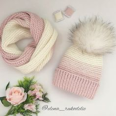 No photo description available. Knitting Room, Loom Knitting, Baby Knitting, Crochet Girls, Crochet Baby Hats, Knitted Hats, Knitting Designs, Knitting Projects, Crochet Projects