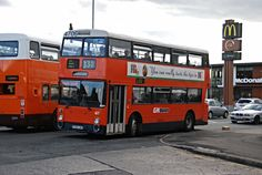 Manchester Buses, Manchester United, Coaches, Transportation, The Unit, Modern, Trainers, Trendy Tree, Man United