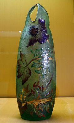 Veste Coburg museum: Art Nouveau vase with anemone by Emil… | Flickr