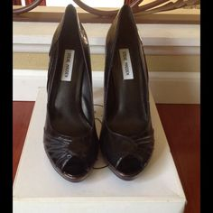 """Steve Madden Platform Pumps in Black Patent Size 9 Unworn Steve Madden Black Patent peep-toe pump size 9 Approx. heel height: 4 1/2"""" with 1/2"""" platform. Black Patent upper/synthetic lining/leather sole. Steve Madden Shoes Heels"""