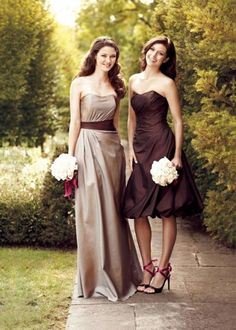 Bridesmaids in brown. short one is super cute