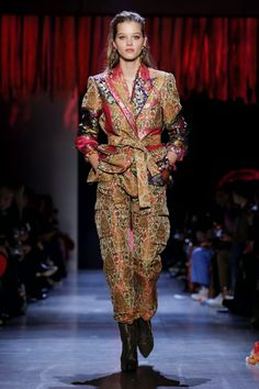 Prabal Gurung Ready To Wear Fall Winter 2019 New York Live Fashion, Fashion Show, Suits For Women, Women Wear, New York People, Prabal Gurung, Dress Patterns, Casual Looks, Runway Fashion