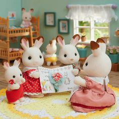 Sylvanian Families House, Sylvania Families, Calico Critters Families, Tiny World, Mini Things, Cute Toys, Baby Dolls, Things To Come, Kids Rugs