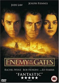 A very touched movie 😔 Jude Law, Joseph Fiennes, and Rachel Weisz in Enemy at the Gates 300 Movie, Love Movie, Film Movie, Movie List, Joseph Fiennes, Great Films, Good Movies, Awesome Movies, Film Story