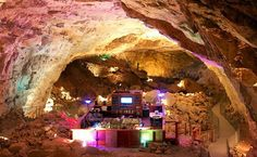 Grand Canyon Caverns Suite på Route 66 - Roadtrips i USA Oh The Places You'll Go, Places To Travel, Places To Visit, Grand Canyon Caverns, Travel Around The World, Around The Worlds, Visit Arizona, Arizona Trip, Grand Canyon Railway