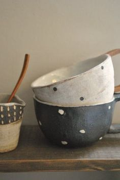 ceramic bowls with dots | dinnerware + tableware
