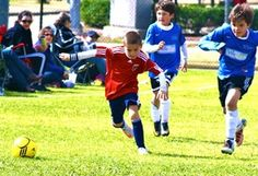Free Soccer Drills For Youth Coaching Soccer Pro, Top Soccer, Soccer Drills, Soccer Coaching, Youth Soccer, Soccer Training, Soccer Players, Soccer Tips, Basketball