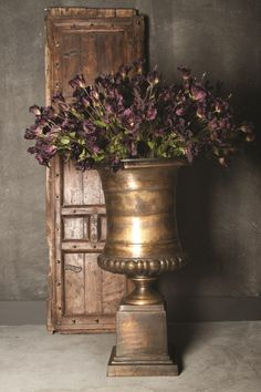 Aluminium Bronce large vase #ptmd #interior #warmmetal