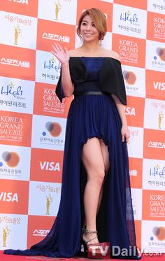 AILEE IS FABULOUS! gorgeooous dress