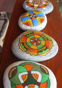 beautiful colors and images! Pebble Painting, Love Painting, Pebble Art, Rock Crafts, Arts And Crafts, Caillou Roche, Hand Painted Rocks, Painted Stones, Art Pierre