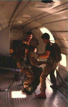 A pathfinder being deployed from a Dakota