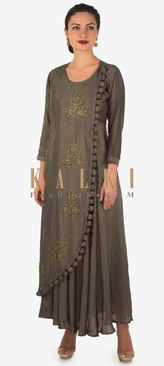 Brown long fancy kurti featuring in cotton silk over lapping layer. Its embellished in zardosi and cut dana embroidered butti along the top layer. Indian Gowns, Pakistani Dresses, Indian Wear, Kurti Patterns, Dress Patterns, Embroidery Patterns, Churidar Designs, Silk Kurti Designs, Fancy Kurti