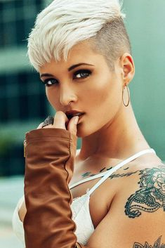 18 Fade Haircut Ideas with Different Hairstyles ★ Fade Haircut with Pixie Hairstyle Picture 6 ★ See more: http://glaminati.com/fade-haircut-women/ #fadehaircut #undercut
