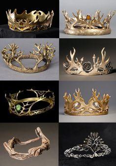 Crowns: 1. Robert Baratheon 2. Joffrey Baratheon and Tommen Baratheon 3. Renly Baratheon 4. Margaery Tyrell 5. Cersei Lannister 6. Joffrey Baratheon 7. Driftwood Crown Euron Greyjoy 8. Cersei Lannister