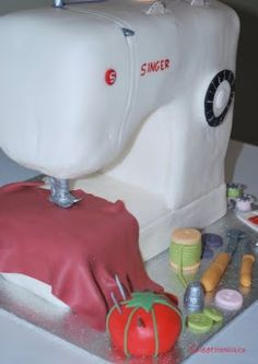 80th Birthday: Sewing Machine Cake