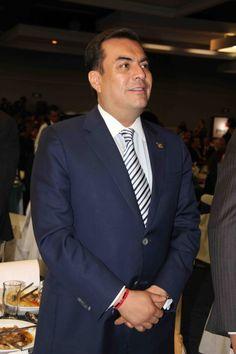 El Oficial Mayor del Gobierno del Distrito Federal, Mtro. Edgar Armando González Rojas, presencio la apertura del Foro de Vinculación entre las Empresas y el Gobierno.